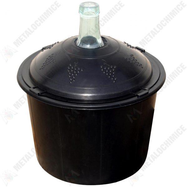 Pachet - 2 x Damigeana 50L din sticla, in cos din plastic   2 x Dop etansare   2 x Dop cu serpentina   2 x Dop cu furtun   1 x Perie damigeana   1 x palnie mare   1.5m furtun pentru tras vinul